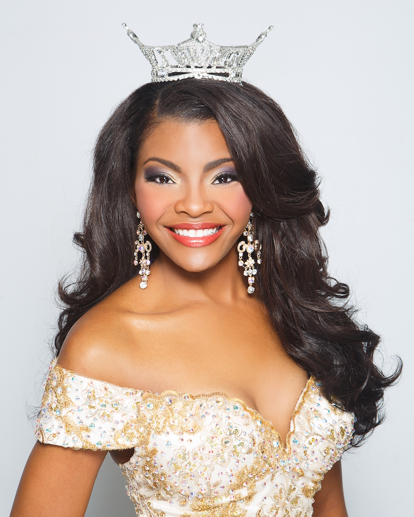 Color photograph of Jasmine Murray, Miss Mississippi 2014.