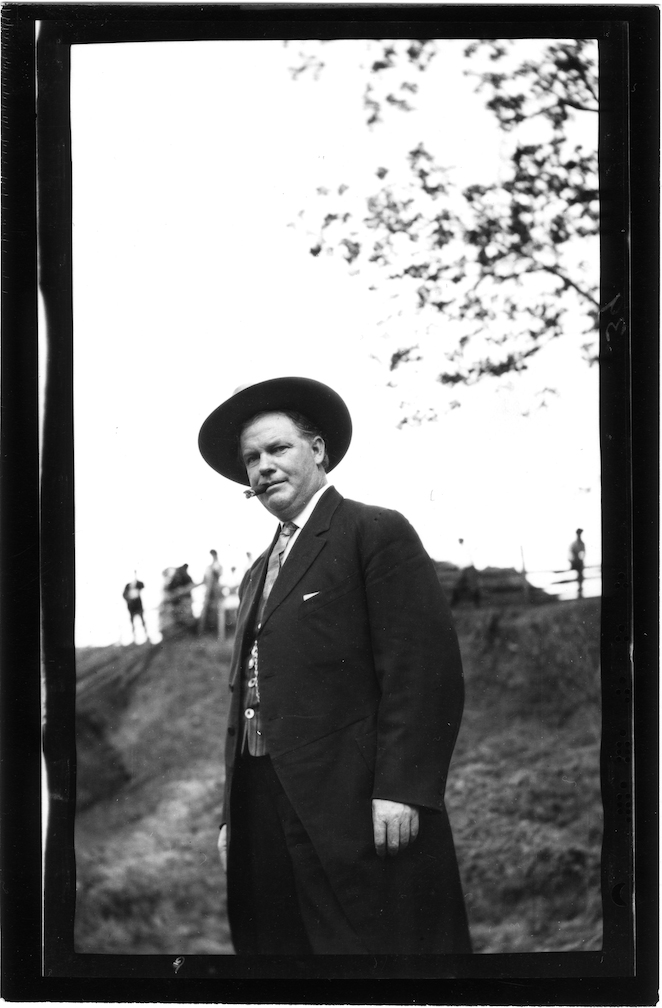 Black and white photograph of Earl Leroy Brewer.